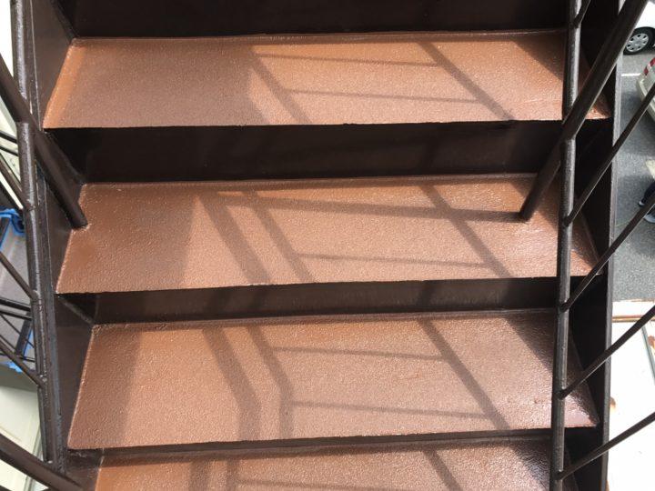 【江戸川区】 Kビル 鉄骨階段 塗床工事 |東京城東エリア(江戸川区、葛飾区、墨田区、江東区、足立区、台東区)ラクスト