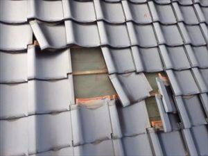 【和歌山市】瓦屋根が落ちてきた!?瓦屋根の修理方法とは|和歌山市リフォームと屋根外壁塗装専門店